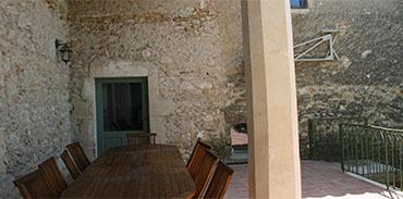 Terrasse entrée de la cuisine